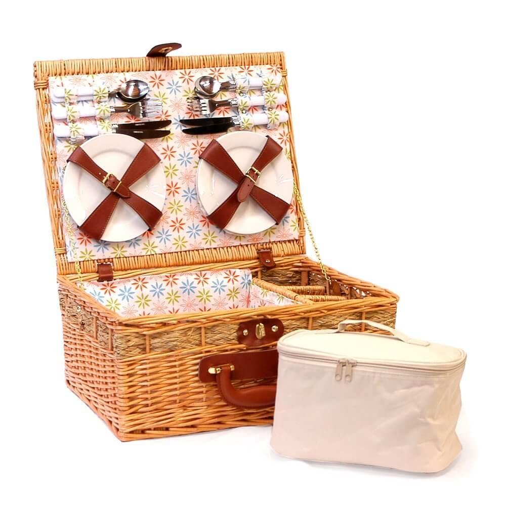 Picknickkorb und Kühltasche