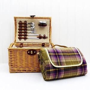 Picknickkoffer mit Picknickdecke