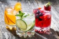 Erfrischende Limonade selber machen: Leckere Säfte für das Picknick